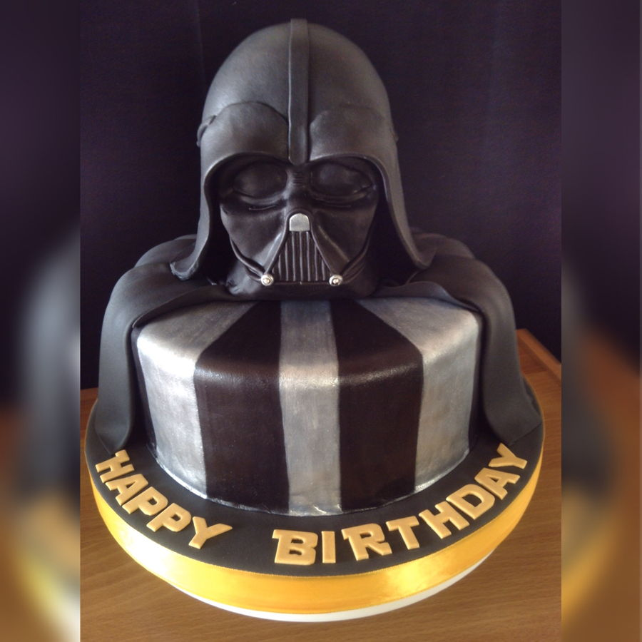 Images Of A Star Wars Cake : Darth Vader Star Wars Cake - CakeCentral.com