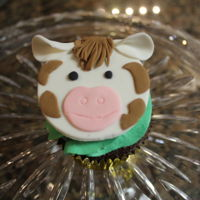 Cow Cupcakes   These were made for my daughter's FFA Banquet. Her high school has cows and goats.