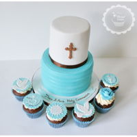 Holy Communion Cake Holy Communion Cake and matching cupcakes
