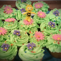 Maya The Bee Cupcakes vanilla and bc frosting