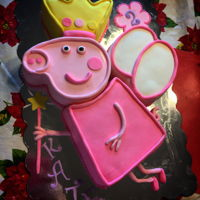 Pig Princess My peppa Pig version of a popular cake style making it's way around.