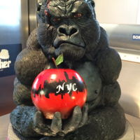 The Eighth Wonder Of The World king Kong cake