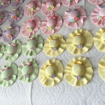 Little Hats For Cup Cakes Mothers Day