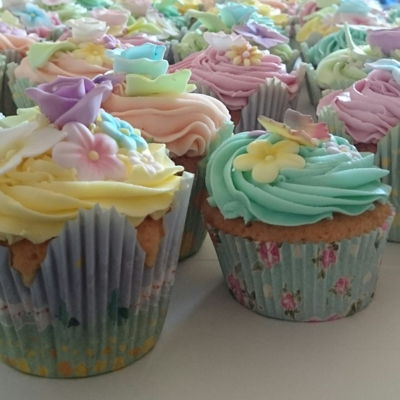 Pastel Colour Themed Wedding Cupcakes