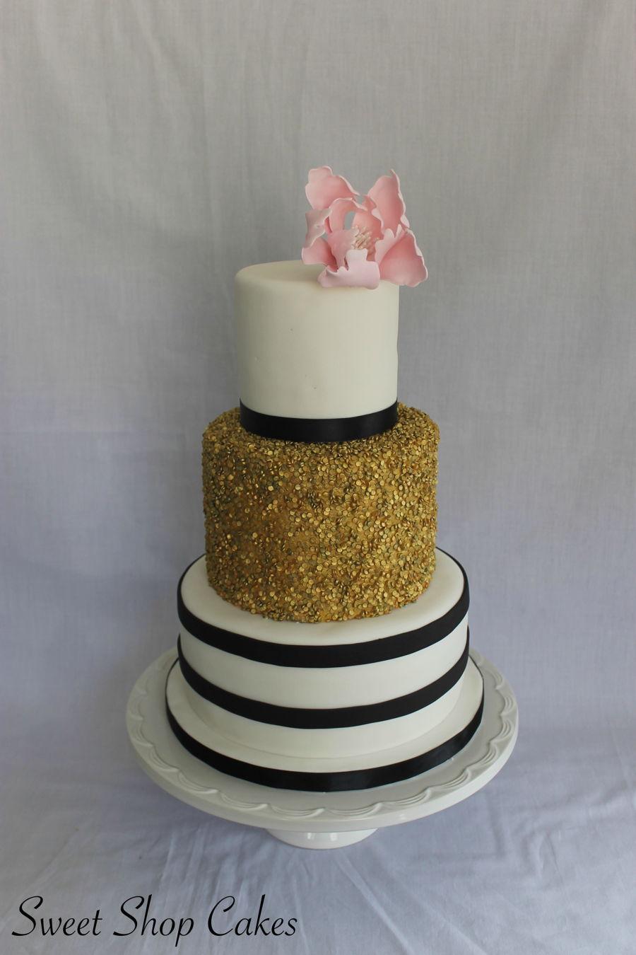 900_elegant-birthday-cake-937512uYXx7.jpg