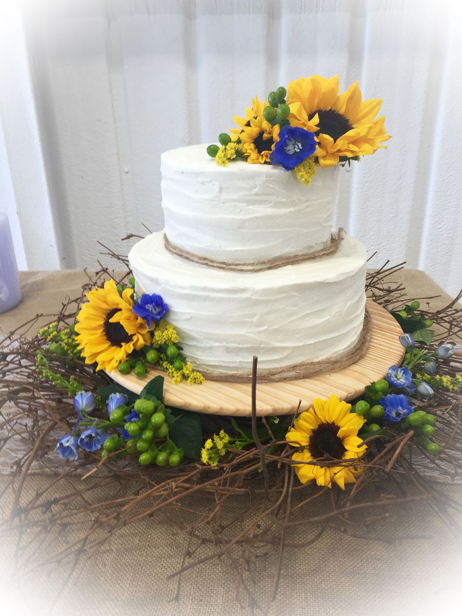 wedding cakes with sunflowers sunflower wedding cake cakecentral 26123