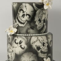 Air Brushed Skulls This air brushed skull cake is great for a gothic or even Halloween themed birthday or wedding.