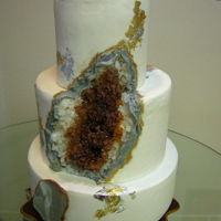 Geode Cake In Amber My project from Rachael Teufel's latest Craftsy class on edible Geodes.