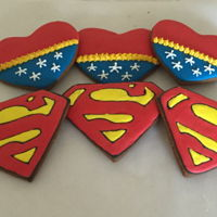 Superman And Wonder Woman Cookies Tutorial is at