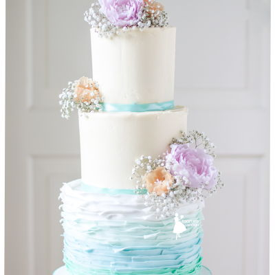 Ombre Green Roffels On A Romantic Weddingcake