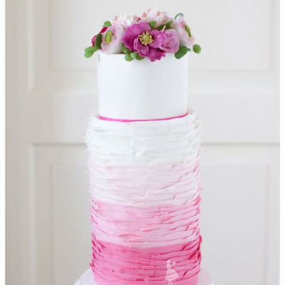 Pink Double Barrel Weddingcake