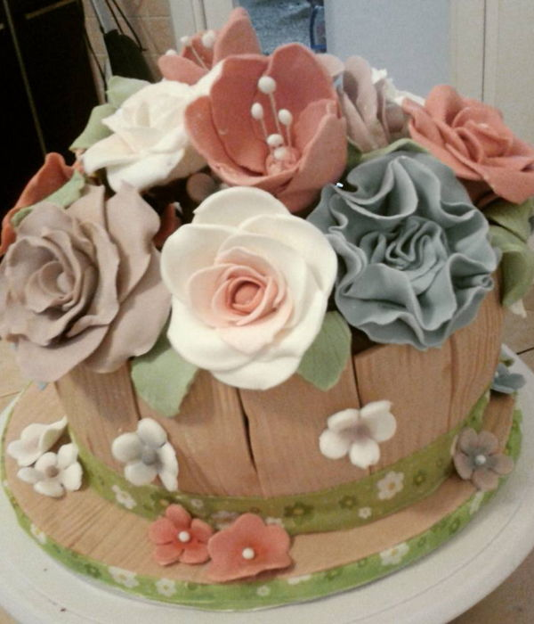 Rosalba Birthday Cake - Sugar Paste Flowers