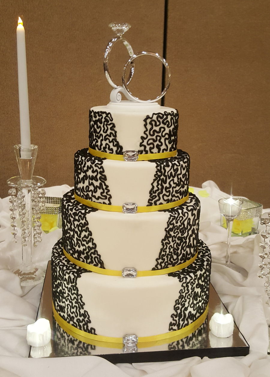 Black And White Cornelli Lace Wedding Cake Cakecentral Com