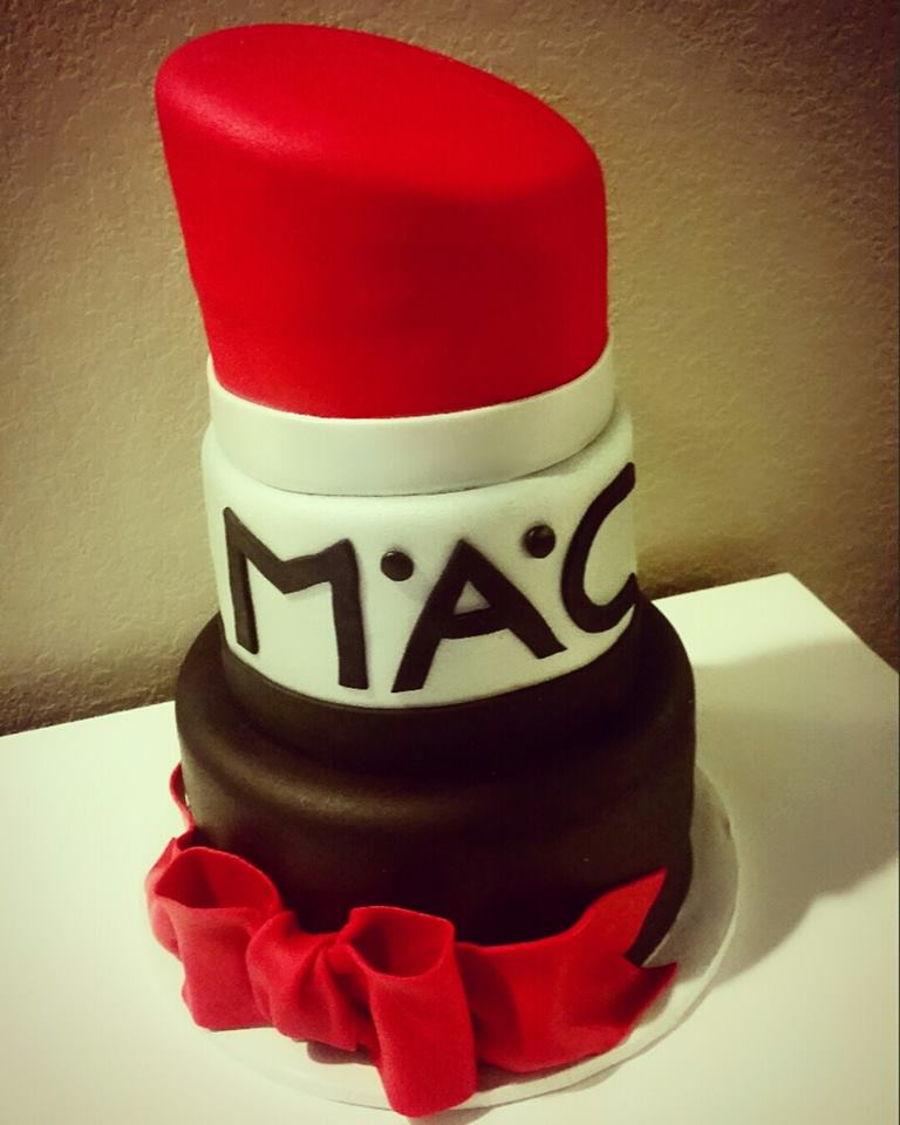 Lipstick Cake: Lipstick Birthday Cake