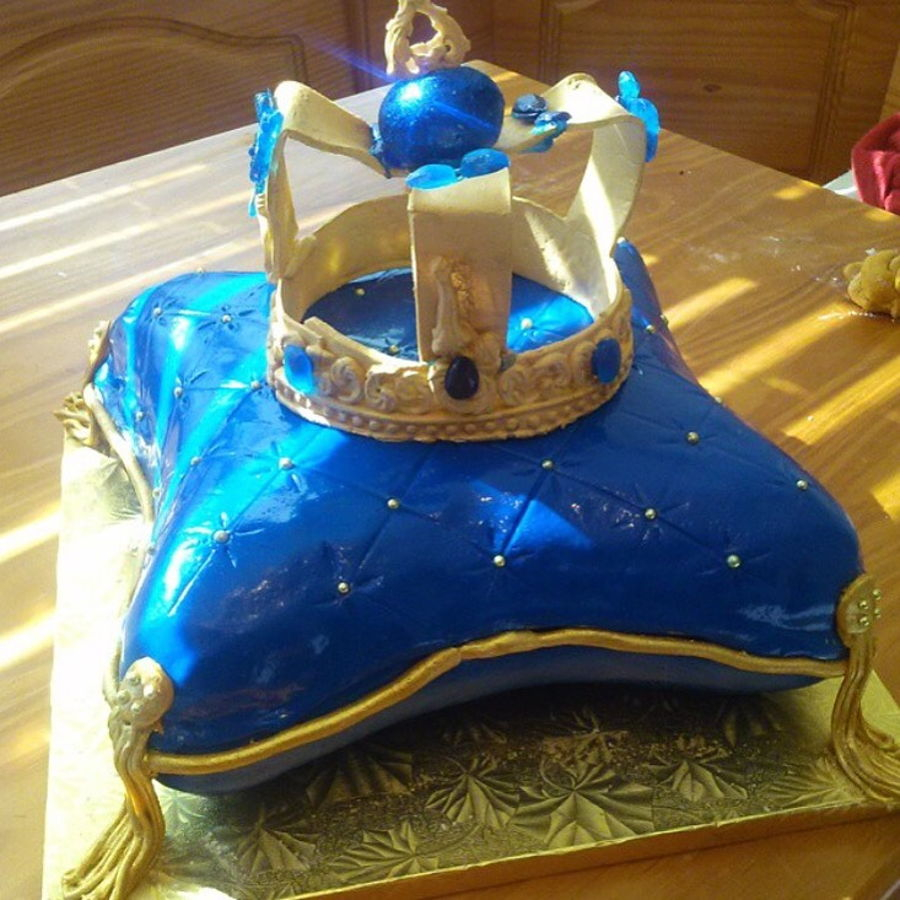 Royal Themed Baby Shower Cake - CakeCentral.com