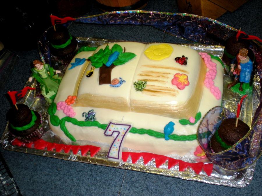 Story Book Cake Made Two Layer Cake Using Wilton Fondant Nature
