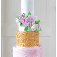 Bohemian, Sugar Flowers, Pink And Golden Sequins I love to make these cakes. Romantic, colorfull and some glitter :)