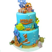 Finding Nemo Finding nemo cake with hand made fondant figures.