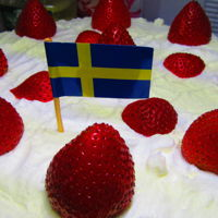 Jordgubbstårta Jordgubbstårta is a traditional Midsummer cake, and my husband's favorite birthday cake.
