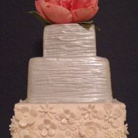 Pink Accent Cake My favorite color combination.