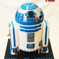 The Ultimate R2D2 Starwars Cake This is a dream cake for any Star Wars fan The R2D2