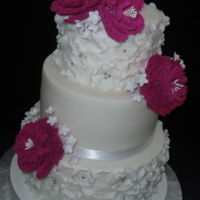 Wedding Cake In Fuchsia   chocolate and cherry flavor