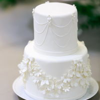White Collection 1 Classic all white wedding cake