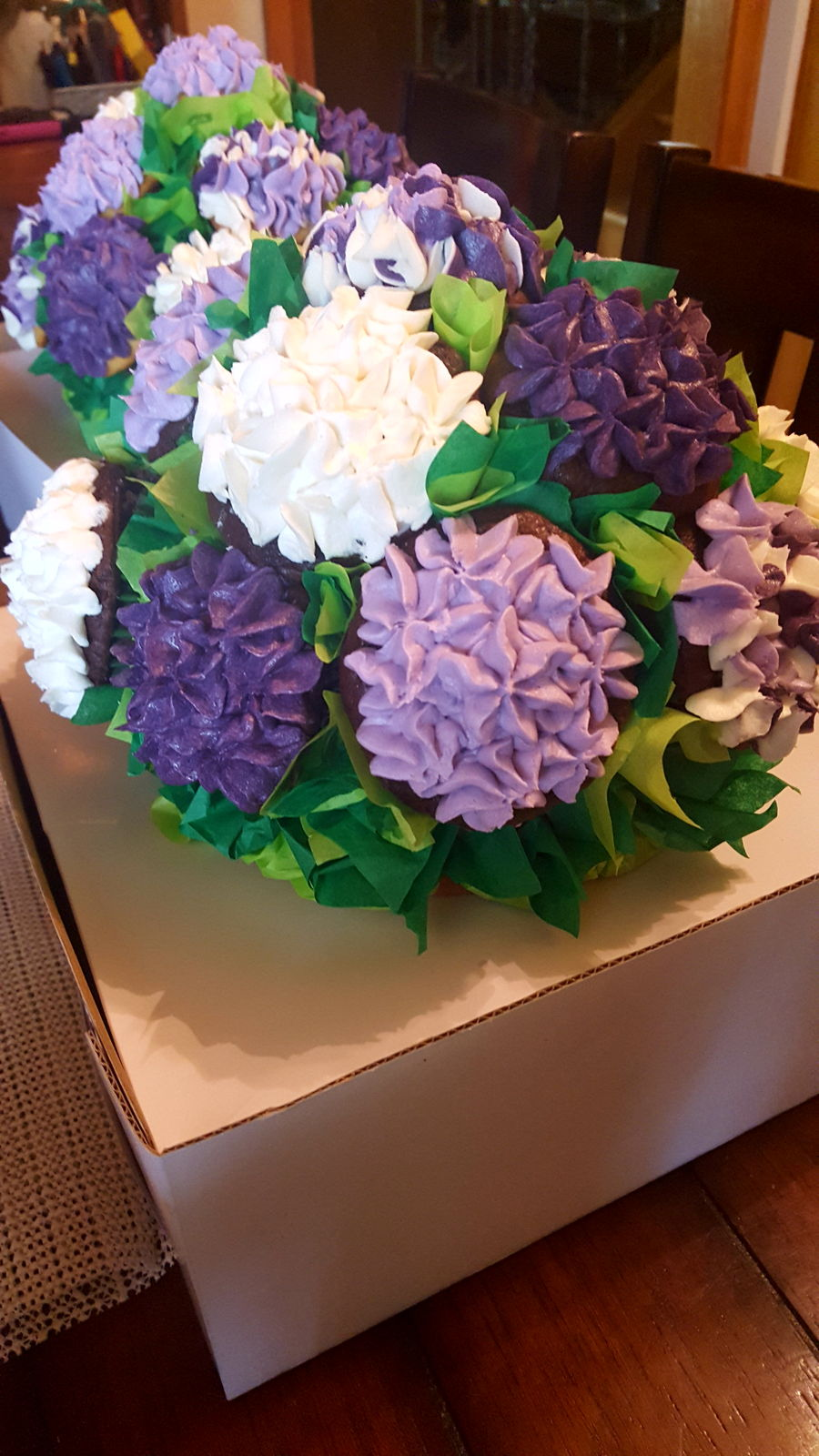 cupcake bouquet and how to transport them