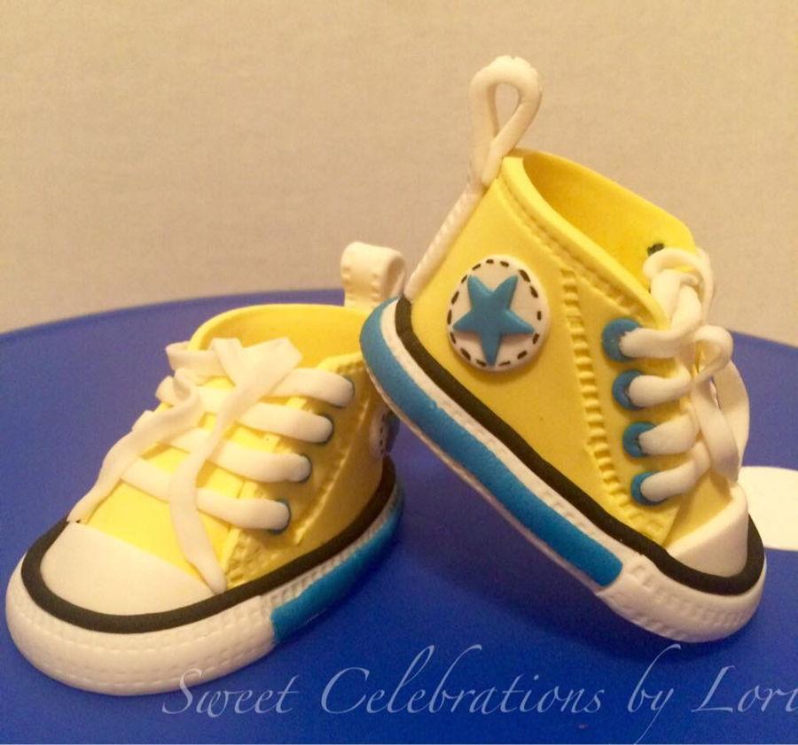 Fondant Converse Baby Shoes Cakecentral Com