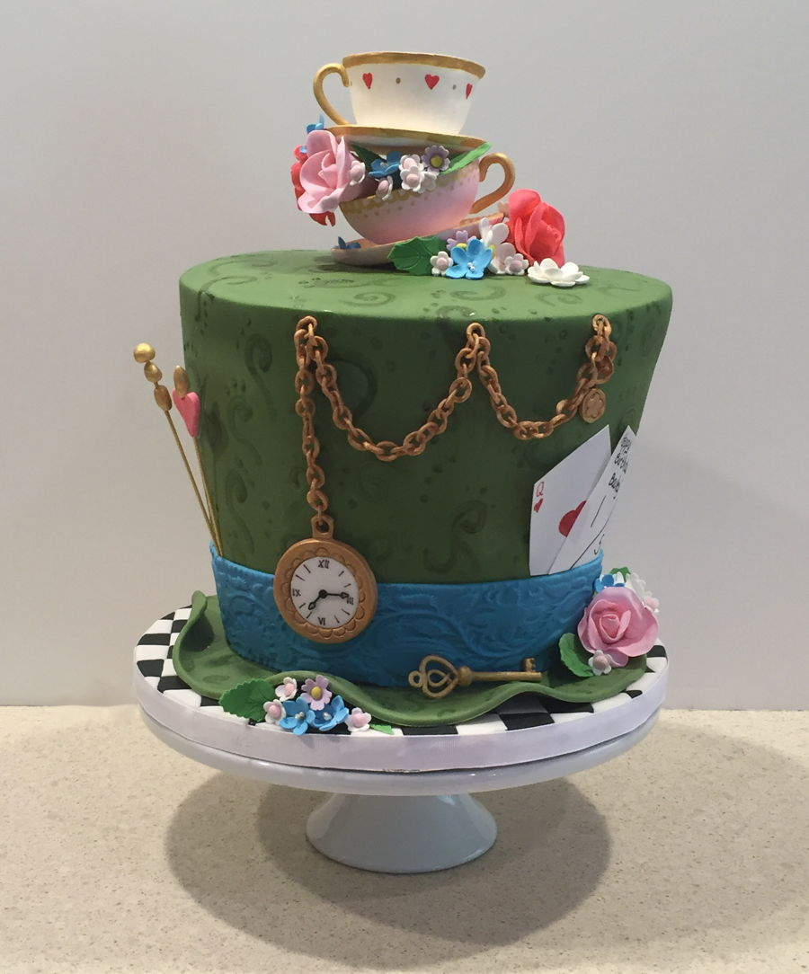 Mad hatter tea party birthday cake - Mad hatter tea party decoration ideas ...