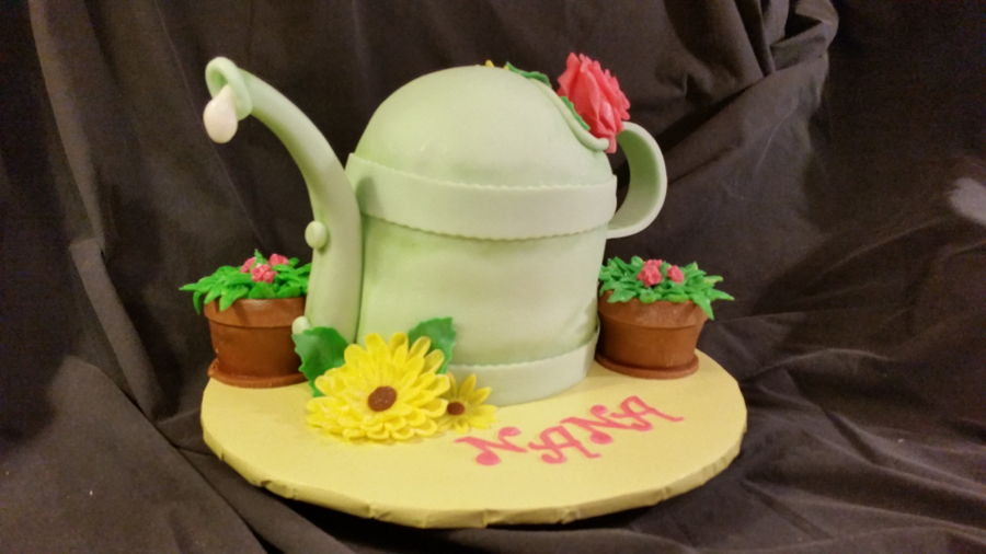 Nana Loves Her Gardening on Cake Central