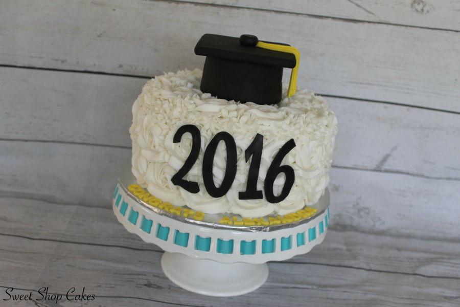 900_rosette-graduation-cake-937512mB15c.jpg