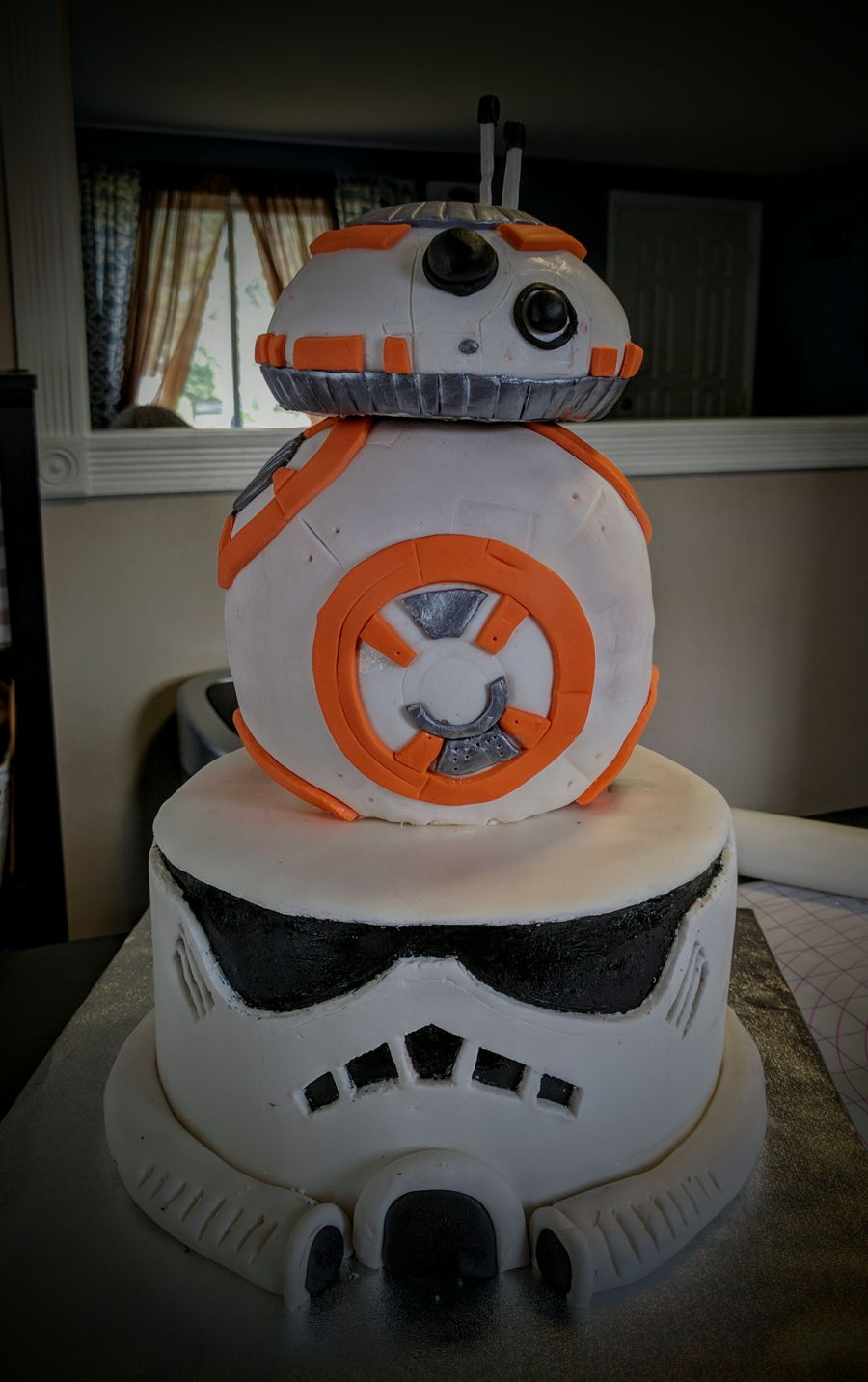 Stormtrooper And Bb8 Cake on Cake Central