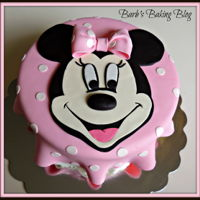Minnie Mouse Cake Minnie Mouse for the little girl I babysit.