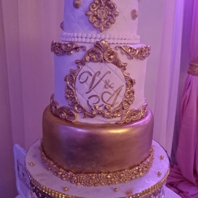 Elegant Baroque Vintage White & Gold Wedding Cake