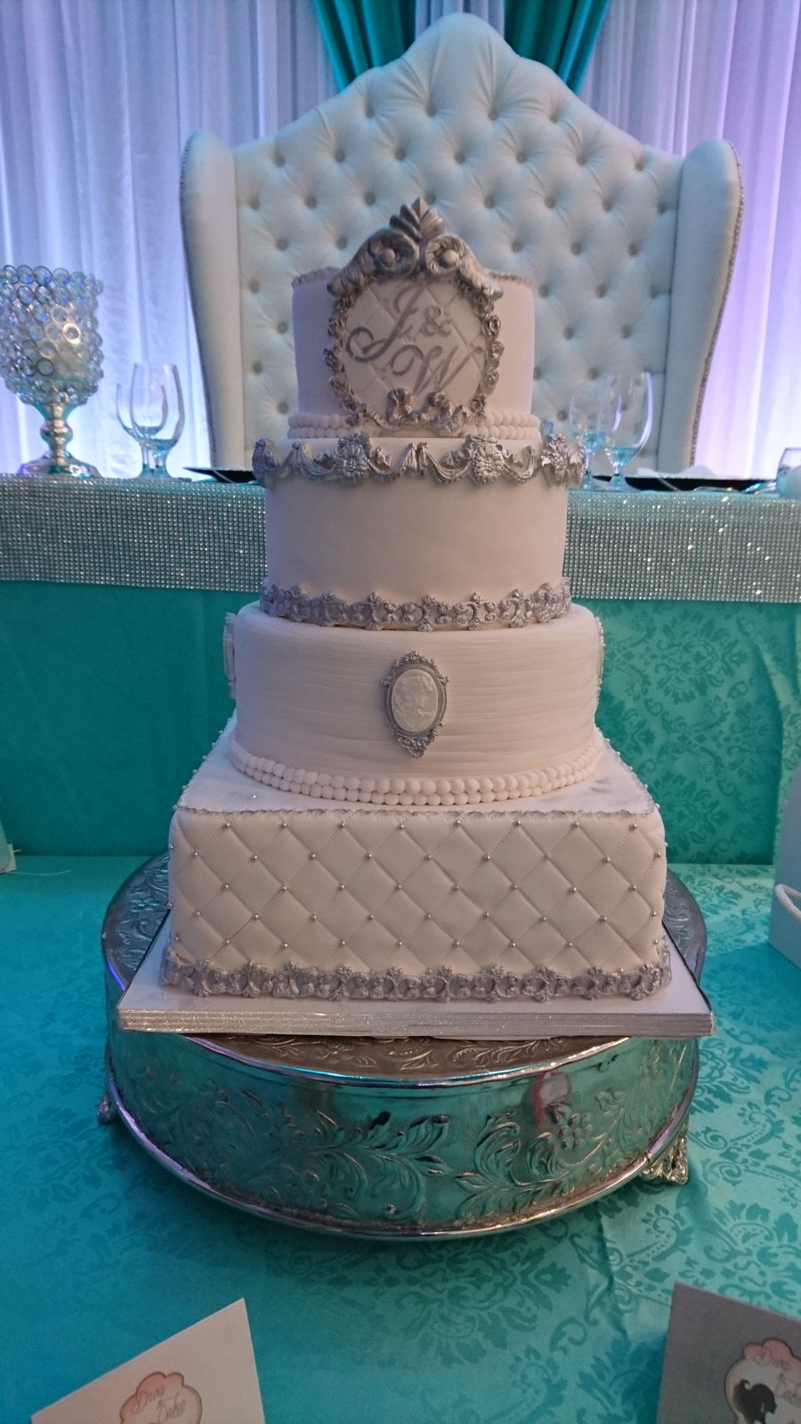 Beautiful Elegant And Gorgeous Royal Vintage Wedding Cake