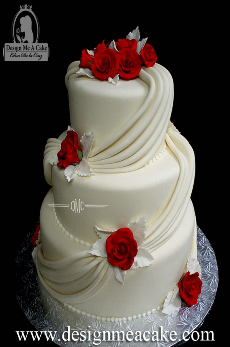 Red Roses And Drapes.  on Cake Central
