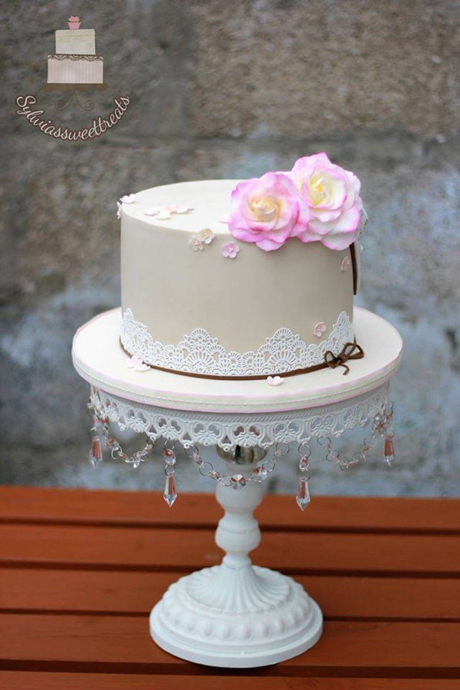 Roses And Lace on Cake Central