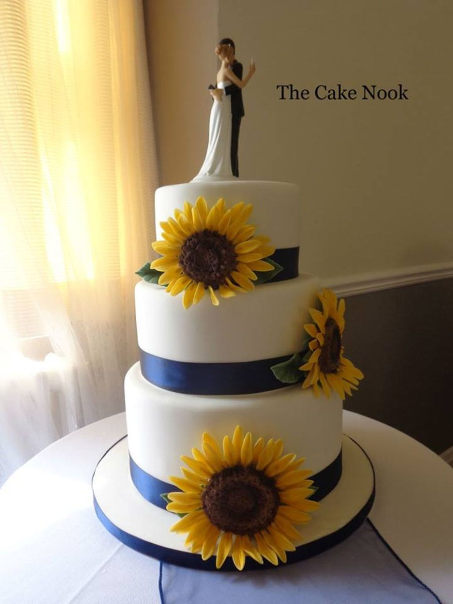 How To Make A Wedding Cake Topper With Flowers