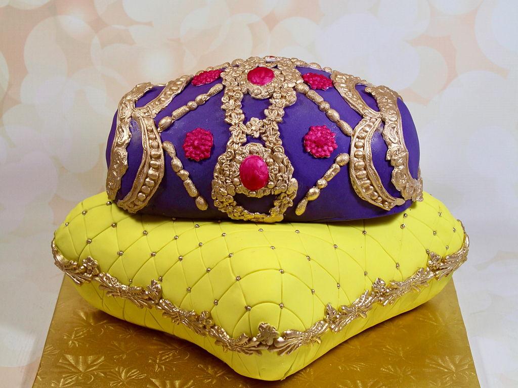Mehndi Cushion Cake : Dhol pillow cake cakecentral
