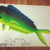 Mahi Mahi I usually don't work in fondant but loved the way the airburshing turned out!