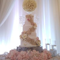 Romantic Wafer Paper Floral Cake Wafer paper flowers in soft blush and ivory