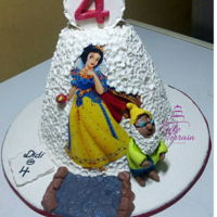 Snow White Cake I made this for a 4 years old girl, she loved it