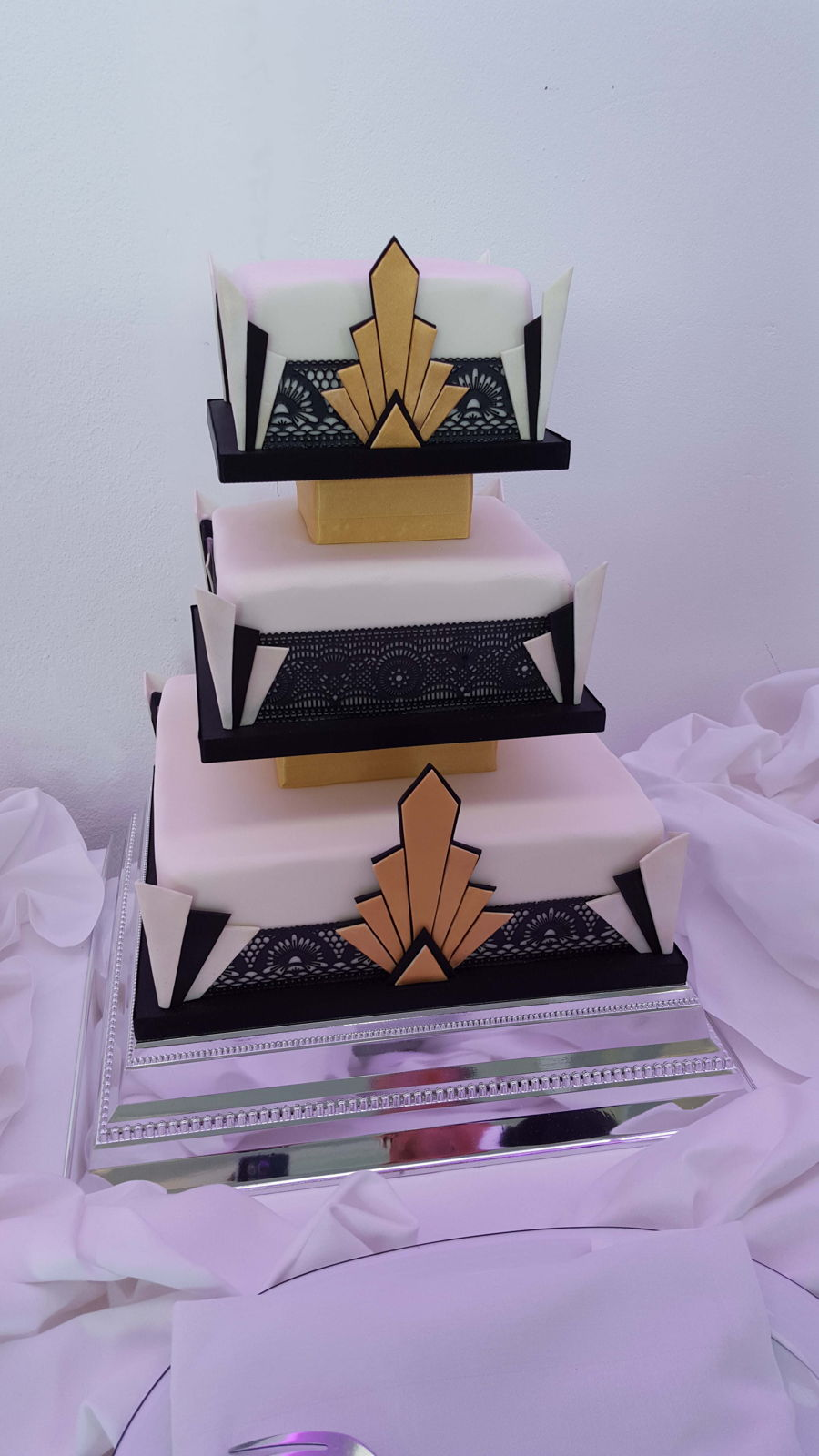 Art Deco Cake Decorations : Art Deco Wedding Cake - CakeCentral.com
