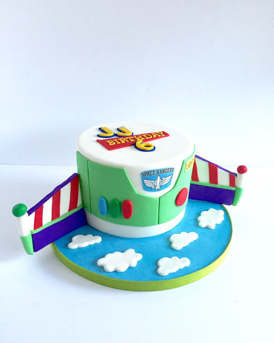 How To Make A Buzz Lightyear Birthday Cake Sweet Moments Of Life