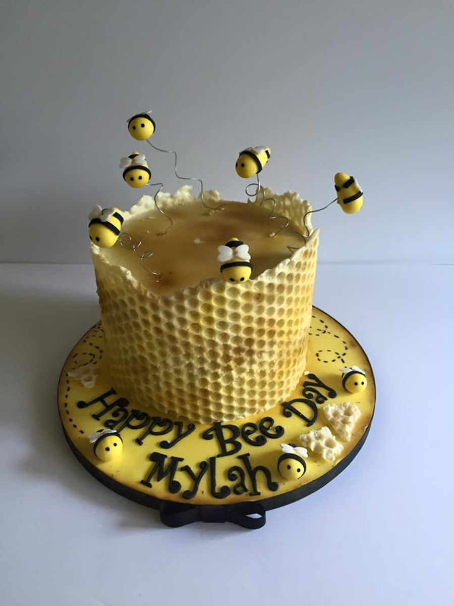 Honey Bee Cake Amp Smash Cake Cakecentral Com