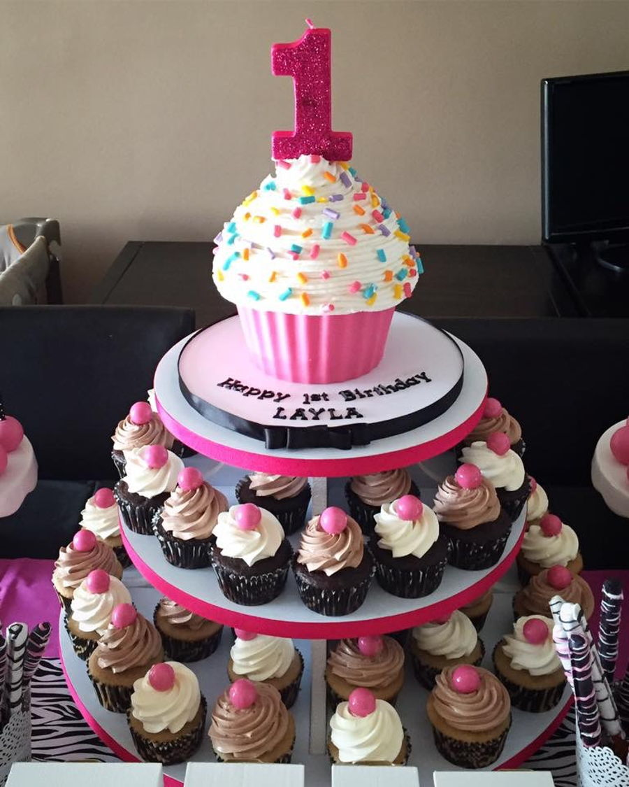 Our Little Cupcake 1St Birthday CakeCentralcom