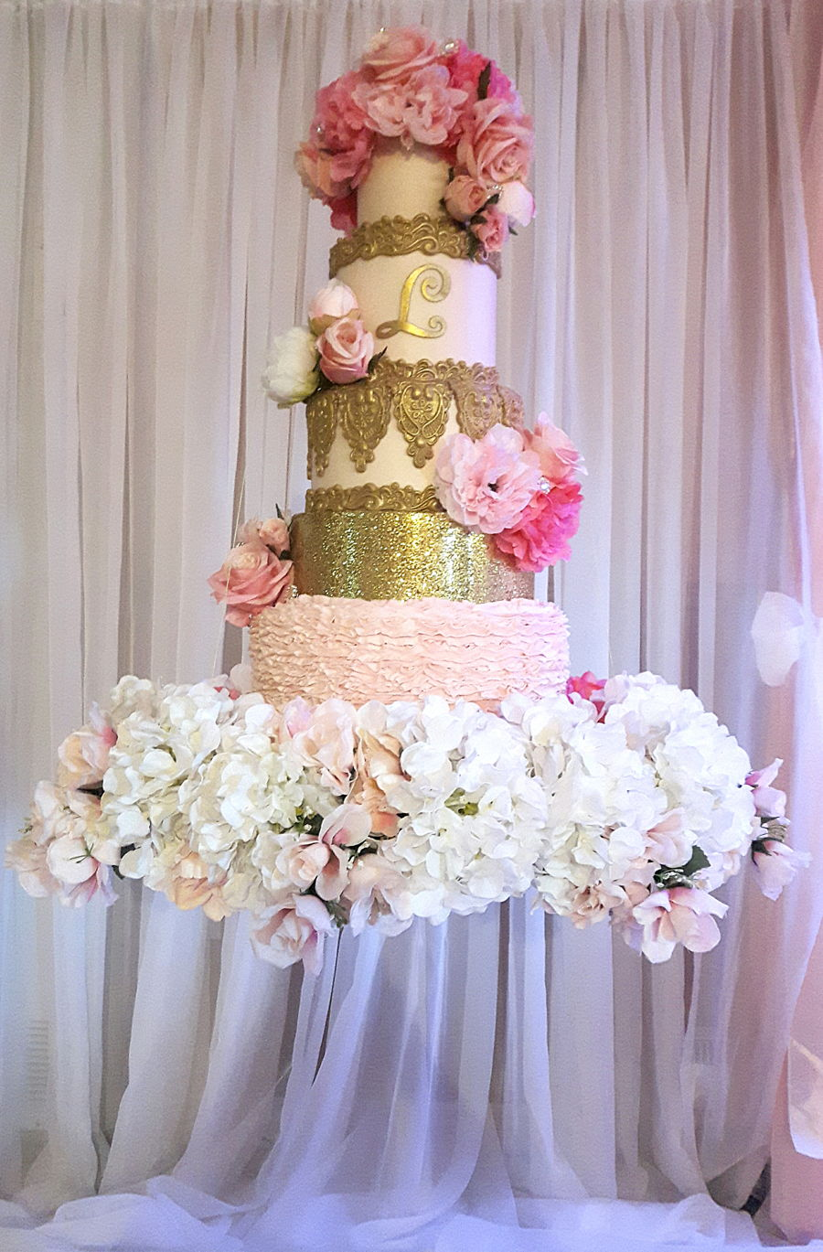 wedding cake suspended from ceiling suspended cake cakecentral 25861