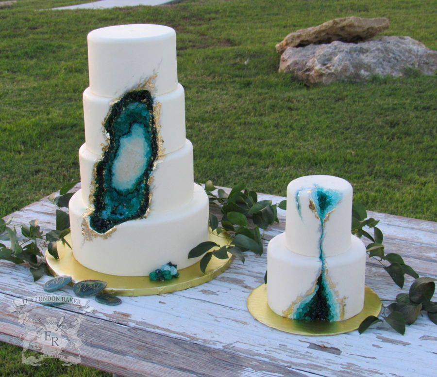 Teal To Emerald Green Beauty Geode Cake Cakecentral Com