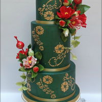 Camellia Cake A cake inspired by the Japanese tradition: green lustre for the tiers with golden stenciled details, a reference to traditional kimono&#039...